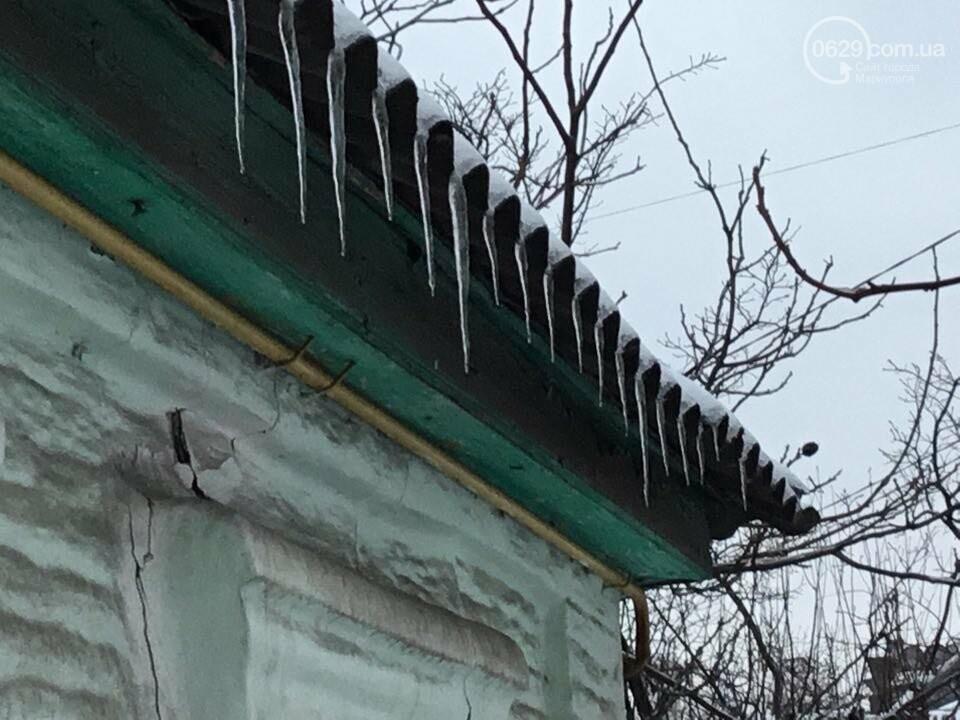 Осторожно, лед тает! В Мариуполе сосульки угрожают прохожим (ФОТО), фото-8