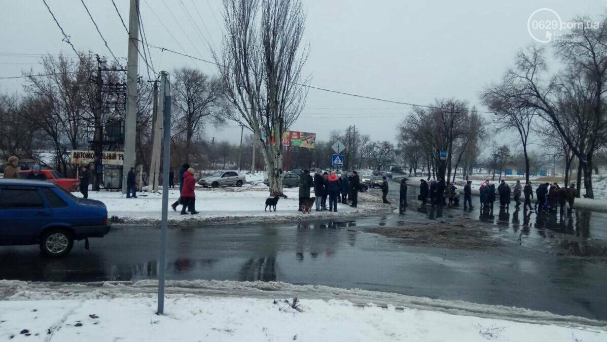 В ожидании света! Жители поселка Речной перекрыли улицу (ФОТО), фото-1