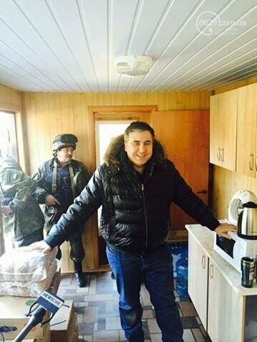 Спецконтейнеры для блокпостов от Саакашвили, укрепление линии обороны Мариуполя и ФЭМы вместо асфальта. О чем писал 0629.com.ua 20 февраля, фото-1