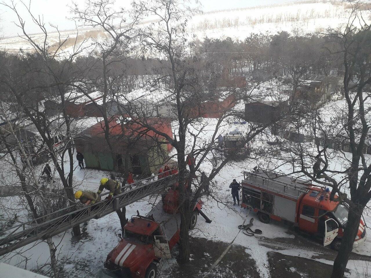 Странный пожар в мариупольской высотке: пострадали трое, еще один участник драмы обнаружен с резаной раной  (ФОТО), фото-9