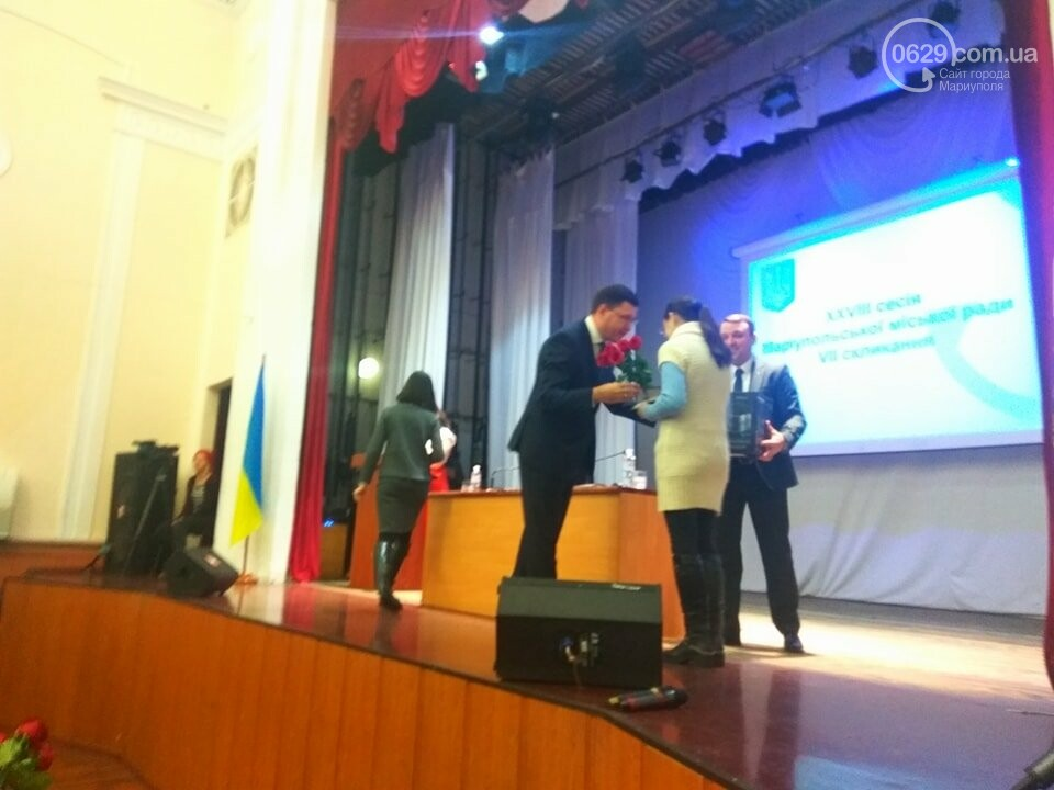 В Мариуполе на сессии горсовета наградили матерей-героинь (ФОТО), фото-2