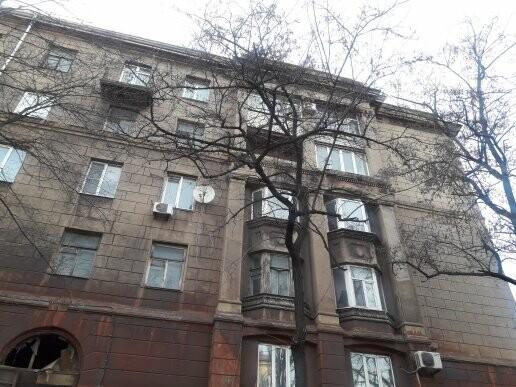 В Мариуполе мужчина разбился насмерть, выпав с 4 этажа (ФОТО 18+, ВИДЕО), фото-3