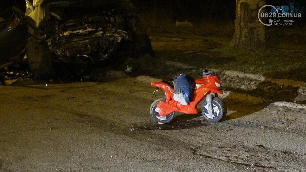 В жутком ДТП в Мариуполе погибли трое мужчин, женщина с ребенком в больнице (ФОТО 18+, ДОПОЛНЕНО), фото-10