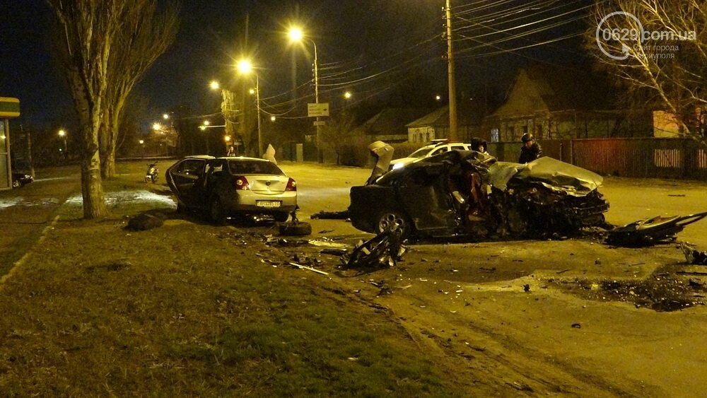 В жутком ДТП в Мариуполе погибли трое мужчин, женщина с ребенком в больнице (ФОТО 18+, ДОПОЛНЕНО), фото-8