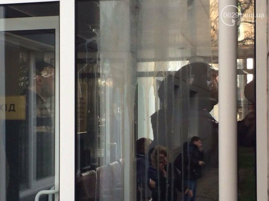 """Митинг сторонников """"народного мэра"""" Кузьменко, Теплосеть грозят отключить за долги и новые """"скорые"""" для Мариуполя. О чем писал 0629.com.ua..., фото-9"""