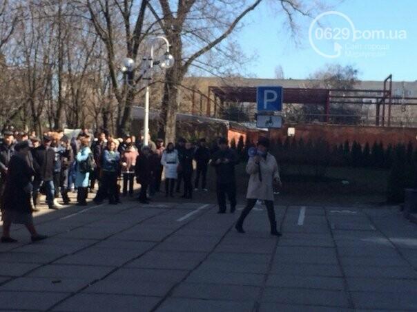 В Мариуполе митинговали за отставку прокуроров-взяточников и против выборов Президента. О чем писал 0629.com.ua 6 апреля, фото-2