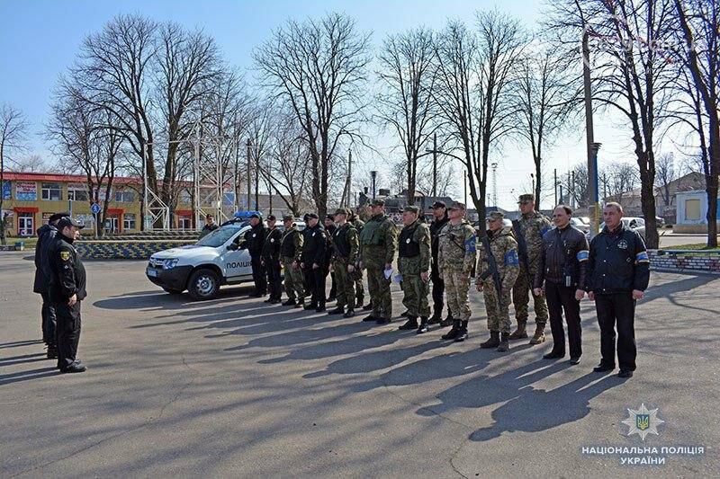 300 силовиков Мариуполя вышли на круглосуточное патрулирование храмов (ФОТО), фото-16