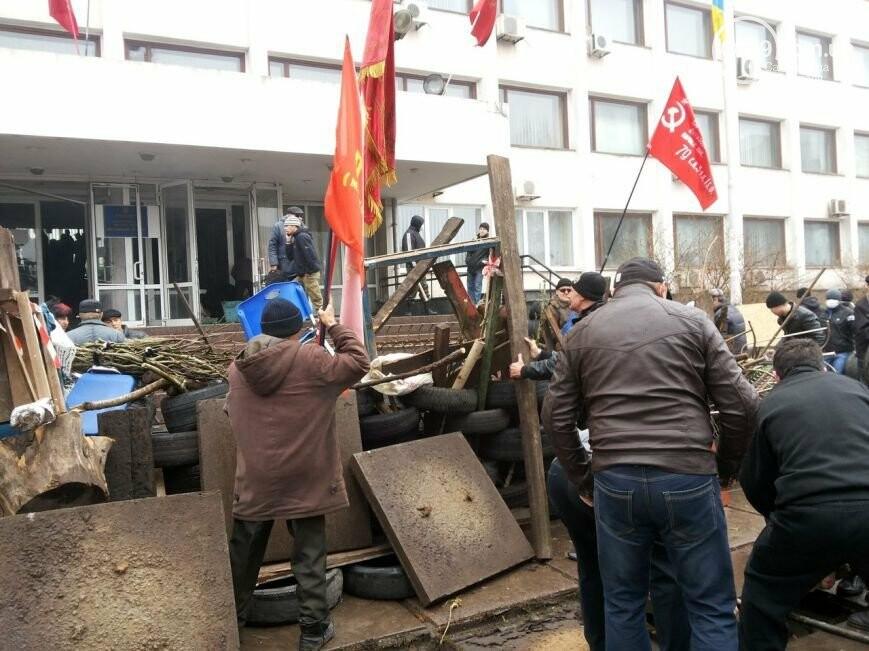 Захват горсовета, мариупольский драмтеатр перестал быть русским и песня для братьев Кличко. О чем писал 0629.com.ua 13 апреля, фото-15
