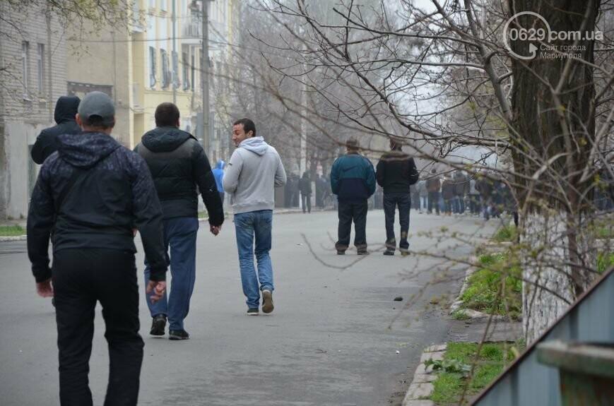 Захват горсовета, мариупольский драмтеатр перестал быть русским и песня для братьев Кличко. О чем писал 0629.com.ua 13 апреля, фото-17