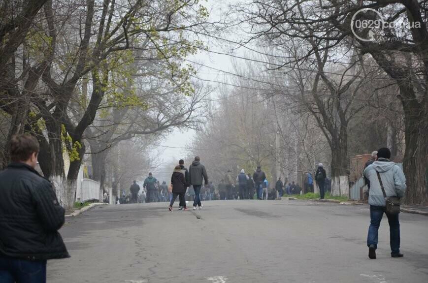 Захват горсовета, мариупольский драмтеатр перестал быть русским и песня для братьев Кличко. О чем писал 0629.com.ua 13 апреля, фото-21