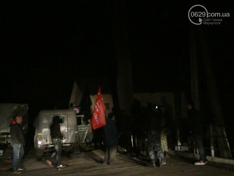 Оборона мариупольской в/ч 3057 от сепаратистов, горожане недовольны декоммунизацией и крестный ход. О чем писал 0629.com.ua 16 апреля, фото-15