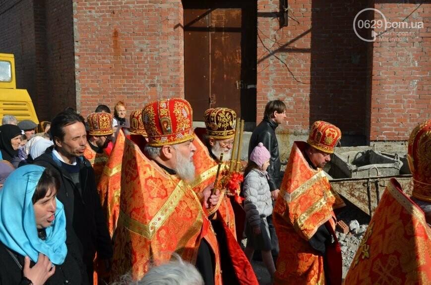 Оборона мариупольской в/ч 3057 от сепаратистов, горожане недовольны декоммунизацией и крестный ход. О чем писал 0629.com.ua 16 апреля, фото-7