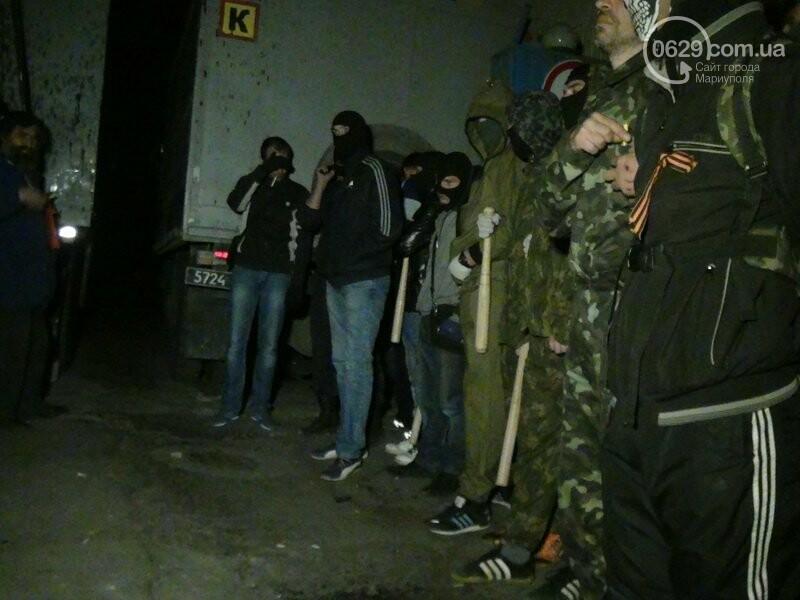 Оборона мариупольской в/ч 3057 от сепаратистов, горожане недовольны декоммунизацией и крестный ход. О чем писал 0629.com.ua 16 апреля, фото-21