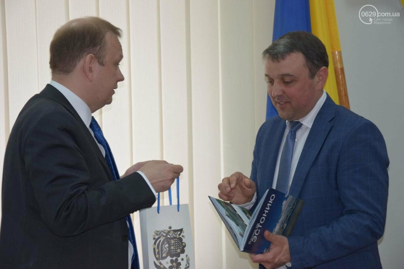 Чрезвычайный и полномочный посол Эстонии приехал в Мариуполь на разведку (ФОТО, ВИДЕО), фото-4