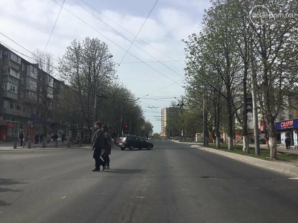На дорогах в Мариуполе пропала двойная сплошная (ФОТО), фото-14