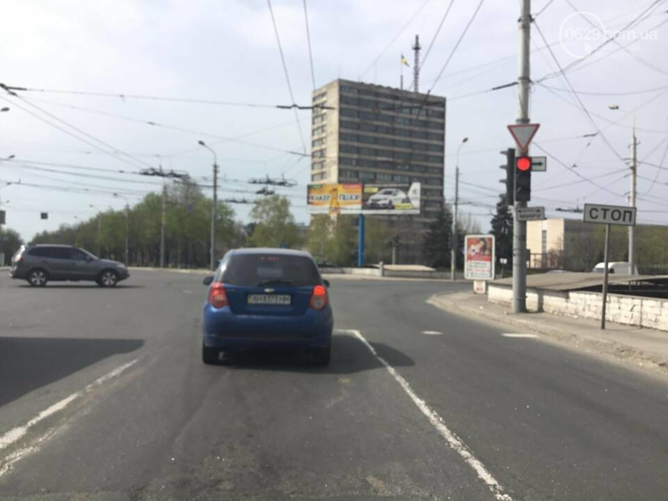 На дорогах в Мариуполе пропала двойная сплошная (ФОТО), фото-13