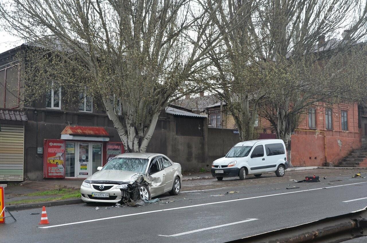 """В Мариуполе маршрутка столкнулась с """"Маздой"""". Пострадала женщина (ФОТО, ВИДЕО), фото-14"""