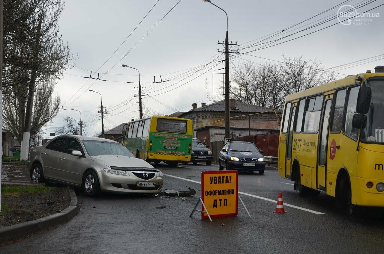 """В Мариуполе маршрутка столкнулась с """"Маздой"""". Пострадала женщина (ФОТО, ВИДЕО), фото-10"""