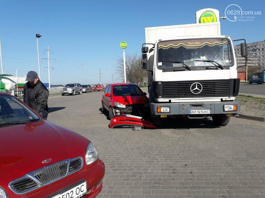 """В Мариуполе на автозаправке """"Хюндай"""" столкнулся с грузовиком (ФОТО), фото-4"""