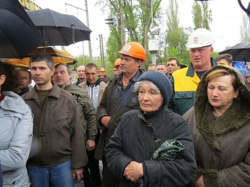 Открытие памятника жертвам Чернобыля, патриотический флешмоб юных мариупольцев и митинг рабочих СРЗ. О чем писал 0629 com.ua 25 апреля, фото-2