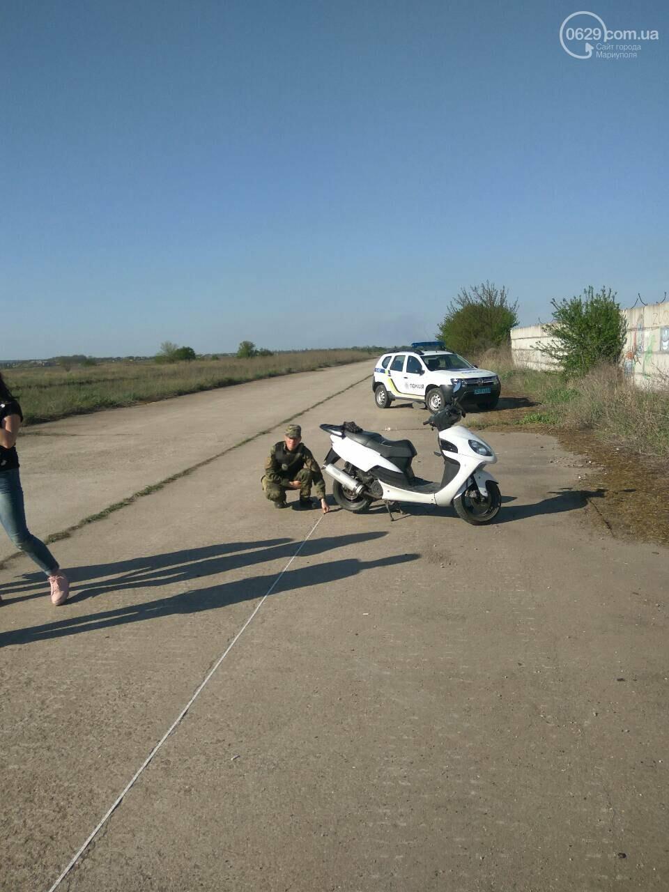 На автогонках под Мариуполем в аварию попал скутерист (Фотофакт), фото-2