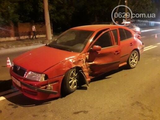 """В Мариуполе патрульный автомобиль врезался в """"Шкоду"""". Пострадали трое полицейских (ФОТО), фото-5"""
