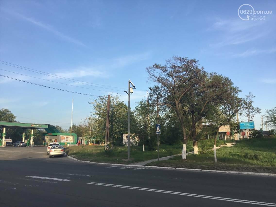 Темный  пешеходный переход  в Мариуполе теперь освещает лампа на солнечных батареях (ФОТО, ВИДЕО), фото-4