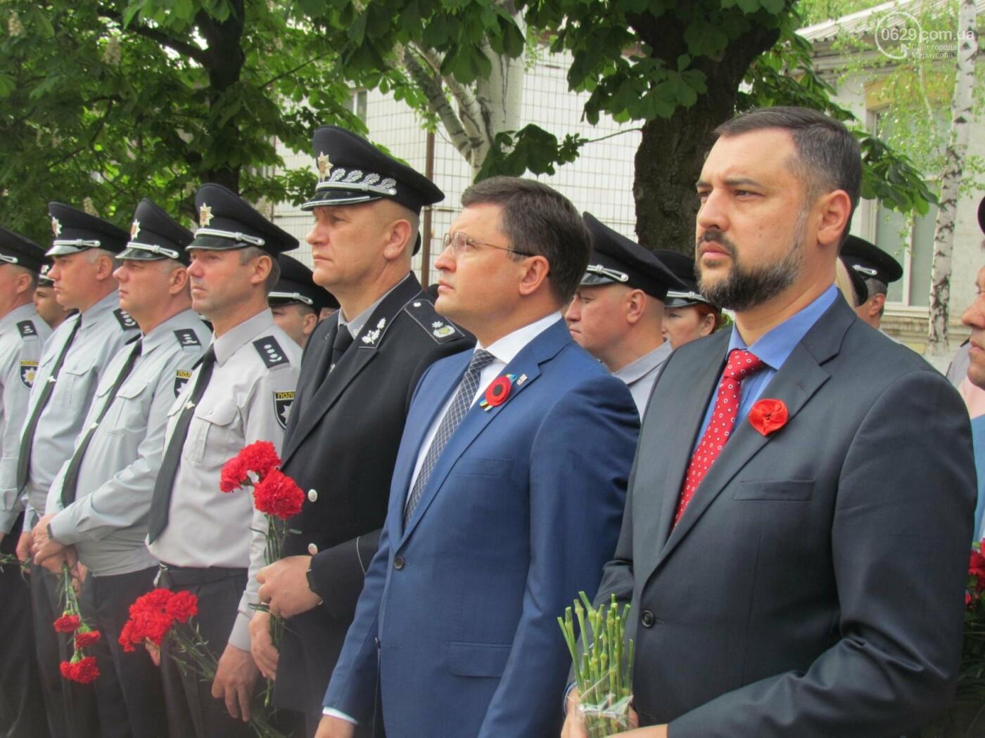 В Мариуполе почтили память патриотов, погибших 9 мая 2014 года  (ФОТОРЕПОРТАЖ+ВИДЕО), фото-20