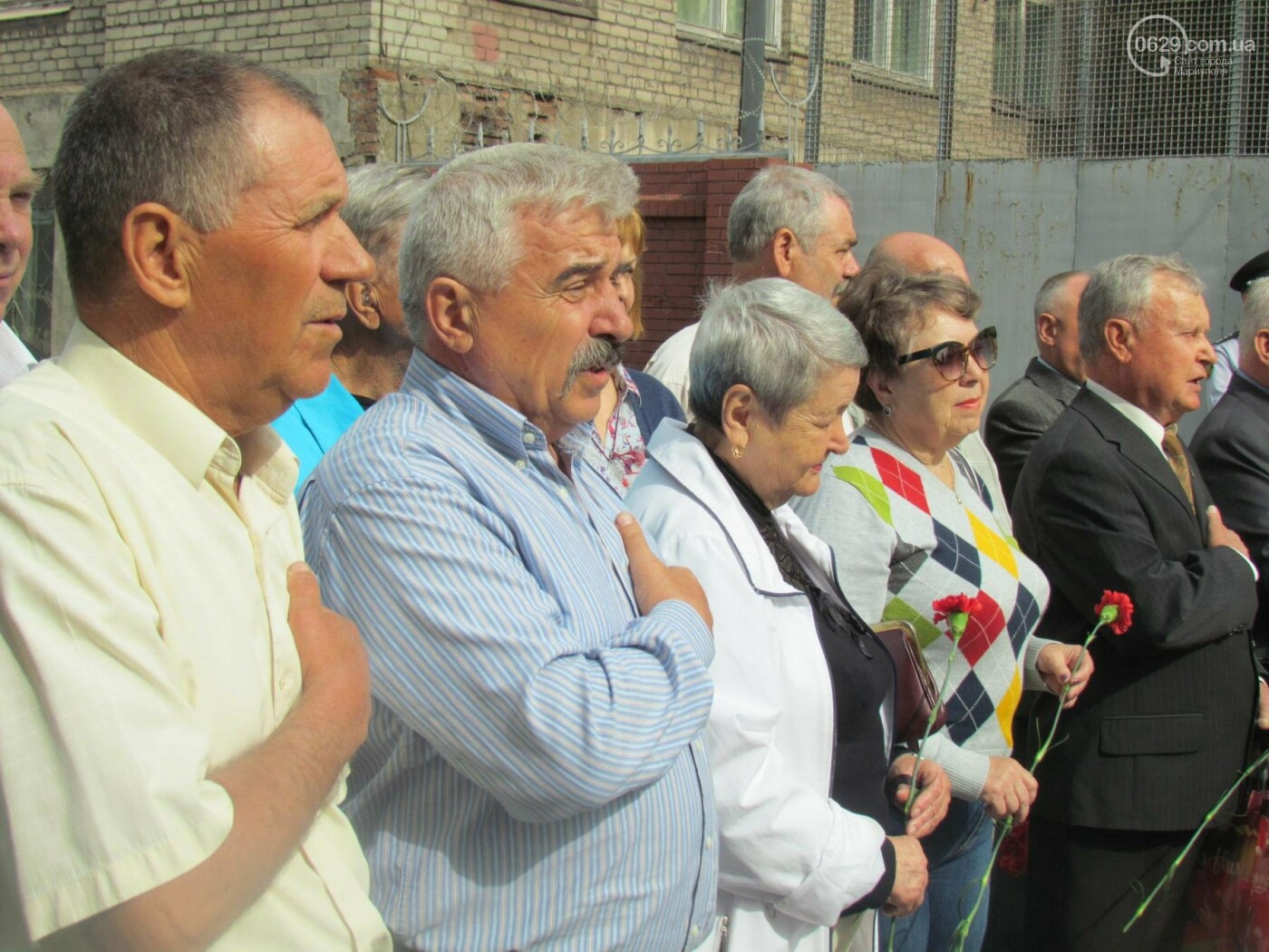 В Мариуполе почтили память патриотов, погибших 9 мая 2014 года  (ФОТОРЕПОРТАЖ+ВИДЕО), фото-32