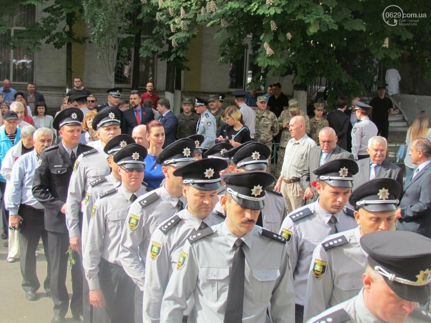 В Мариуполе почтили память патриотов, погибших 9 мая 2014 года  (ФОТОРЕПОРТАЖ+ВИДЕО), фото-13