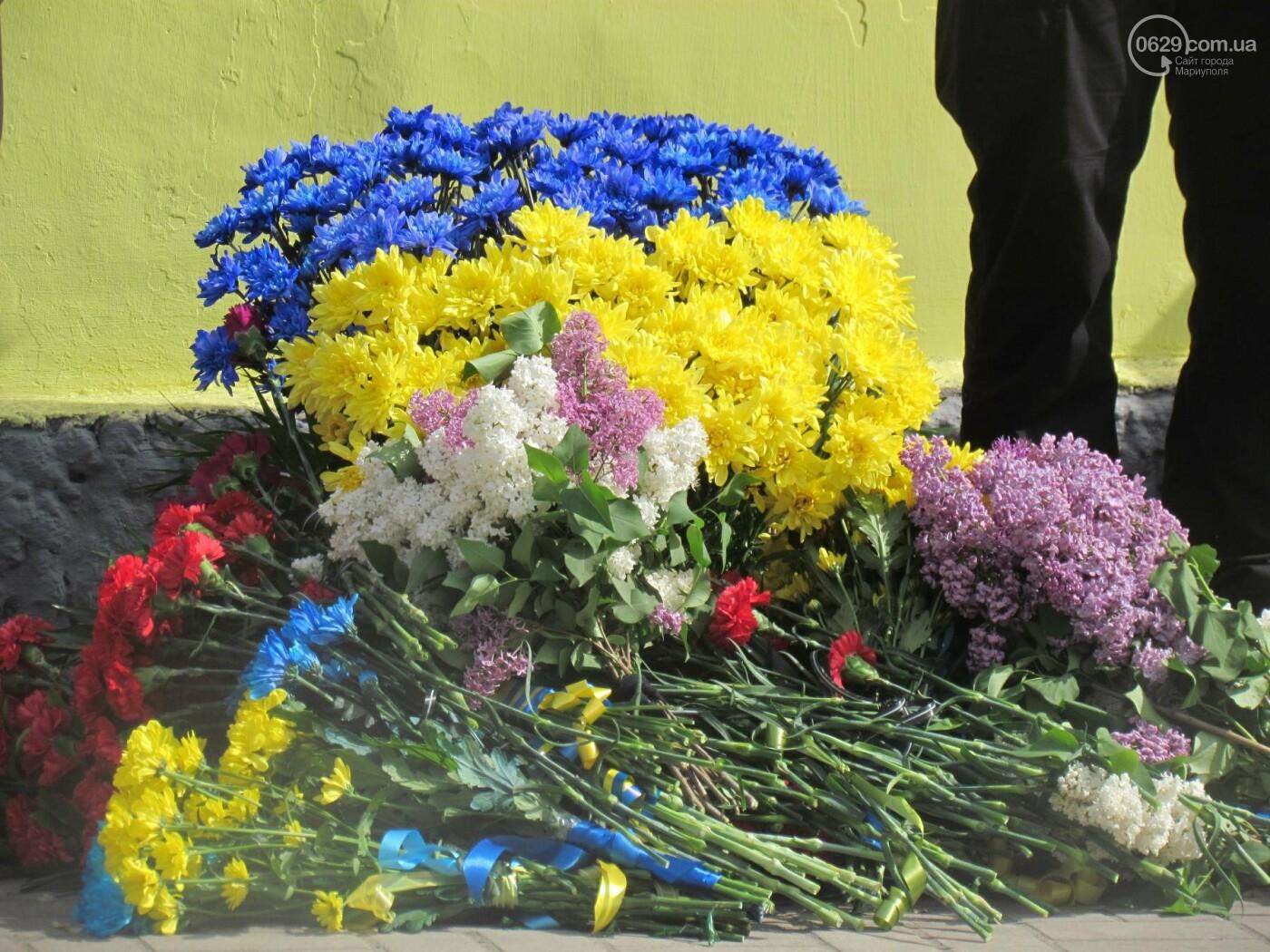 В Мариуполе почтили память патриотов, погибших 9 мая 2014 года  (ФОТОРЕПОРТАЖ+ВИДЕО), фото-37