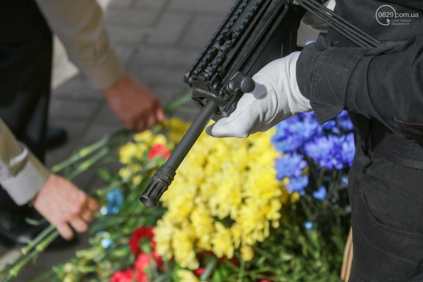 В Мариуполе почтили память патриотов, погибших 9 мая 2014 года  (ФОТОРЕПОРТАЖ+ВИДЕО), фото-33