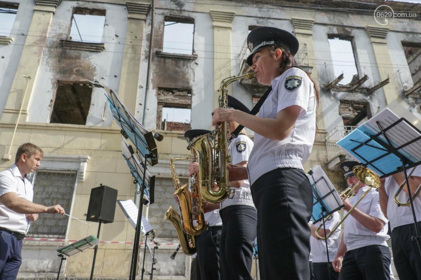 В Мариуполе почтили память патриотов, погибших 9 мая 2014 года  (ФОТОРЕПОРТАЖ+ВИДЕО), фото-23