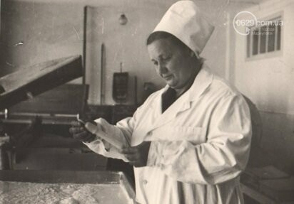 Героя труда Мариупольского молокозавода поздравили с 87-летием, фото-12