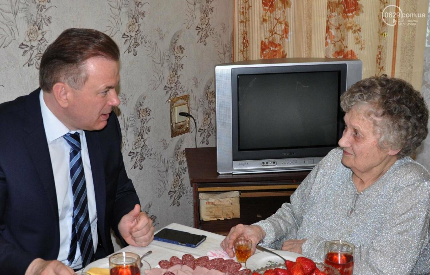 Героя труда Мариупольского молокозавода поздравили с 87-летием, фото-15