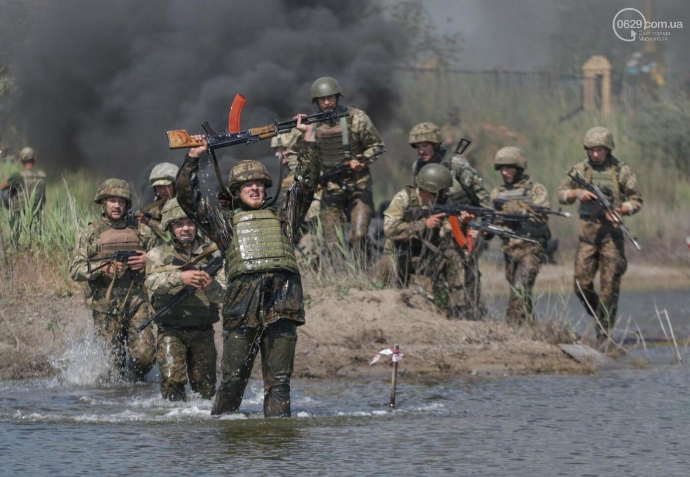 Под Мариуполем девушки-военнослужащие преодолели «полосу морпеха», - ФОТОРЕПОРТАЖ, фото-8