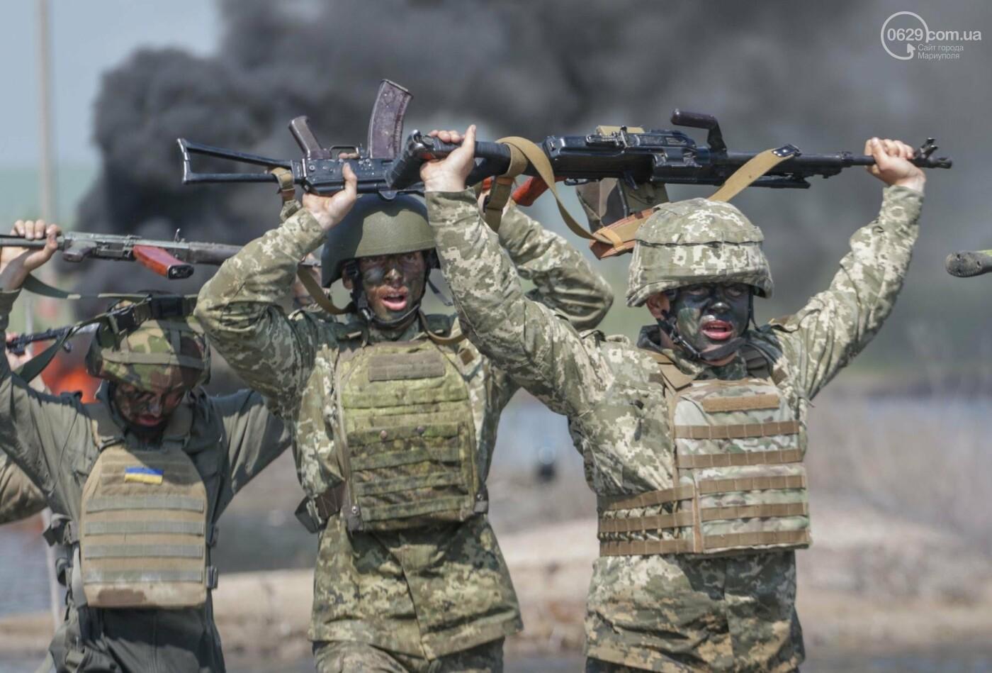 Под Мариуполем девушки-военнослужащие преодолели «полосу морпеха», - ФОТОРЕПОРТАЖ, фото-1