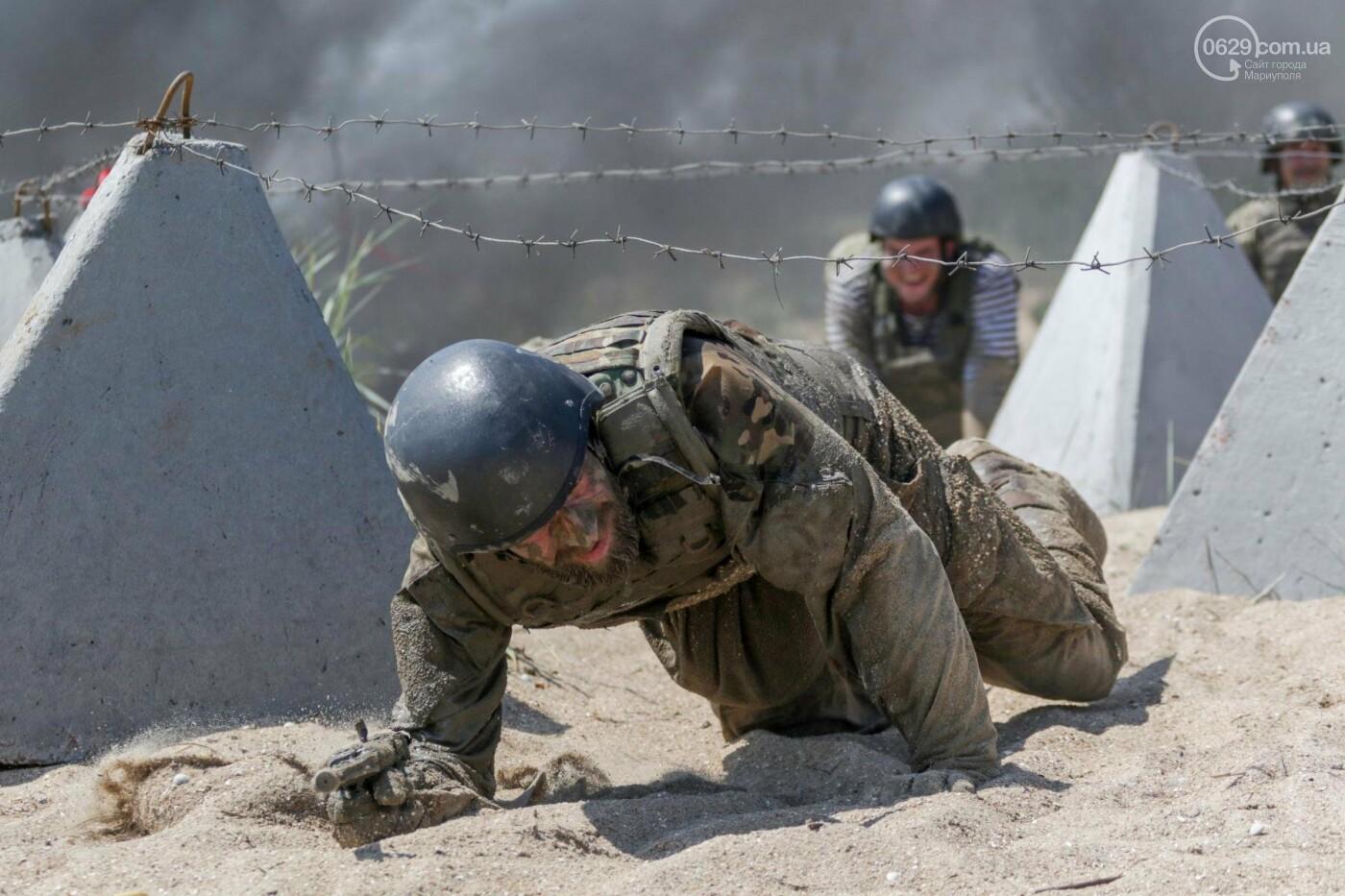 Под Мариуполем девушки-военнослужащие преодолели «полосу морпеха», - ФОТОРЕПОРТАЖ, фото-3