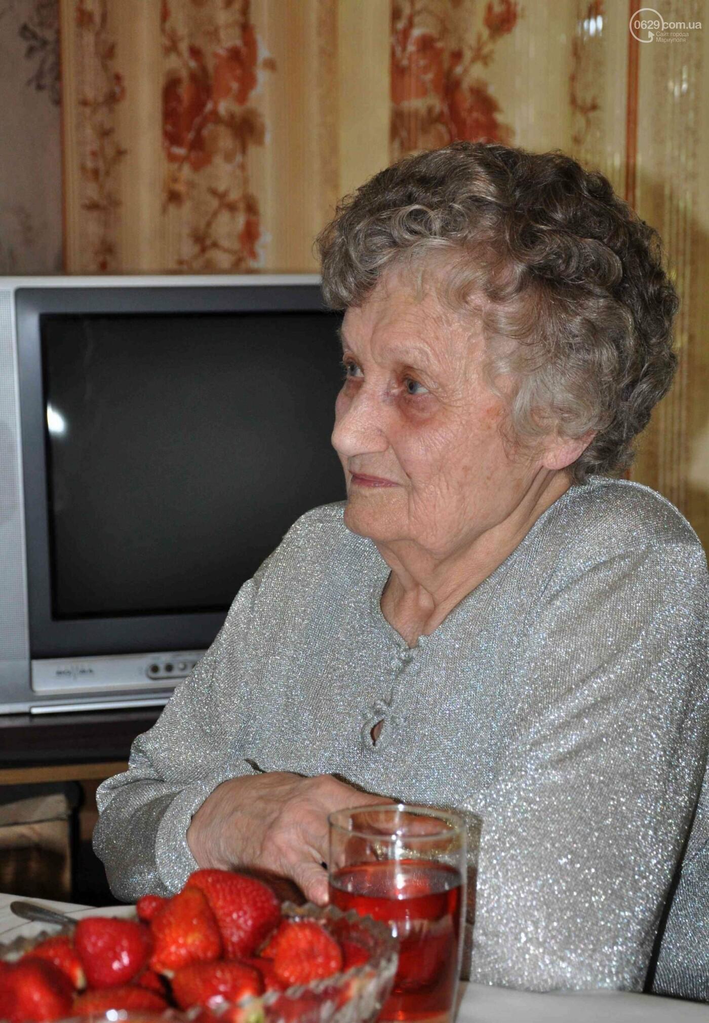 Героя труда Мариупольского молокозавода поздравили с 87-летием, фото-8