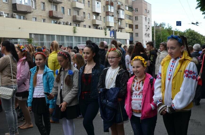Парад вышиванок, террорист Чечен в Мариуполе и переименование улицы Георгиевской.  О чем писал 0629.com.ua 18 мая, фото-15