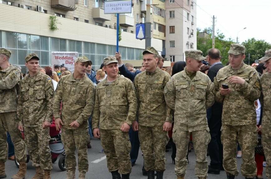 Парад вышиванок, террорист Чечен в Мариуполе и переименование улицы Георгиевской.  О чем писал 0629.com.ua 18 мая, фото-13