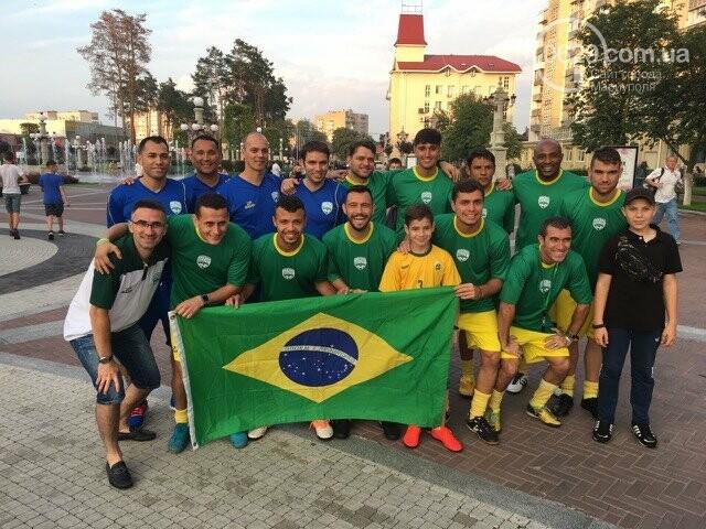Играйте в футбол с Бразильскими футболистами в Мариуполе, фото-2