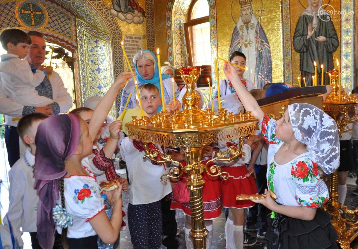 Праздник Вознесения и День вышиванки объединили прихожан в Свято-Покровском храме с.Боевое, фото-27