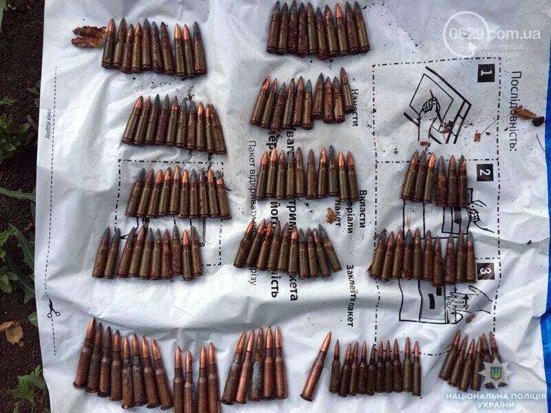 Возле поселка Ялта обнаружили закопанный в землю схрон боеприпасов, - ФОТО, фото-1