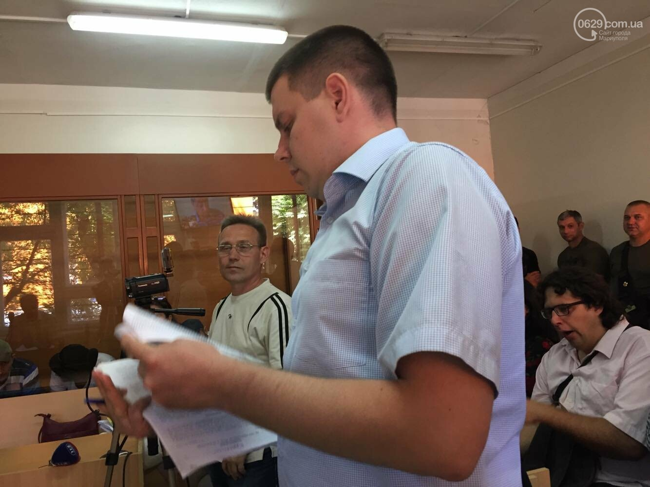 Адвокат по скайпу и без георгиевских ленточек: состоялось слушание по делу обвиняемых  в захвате Мариупольского ГУ милиции, - ФОТО, ВИДЕО, фото-3