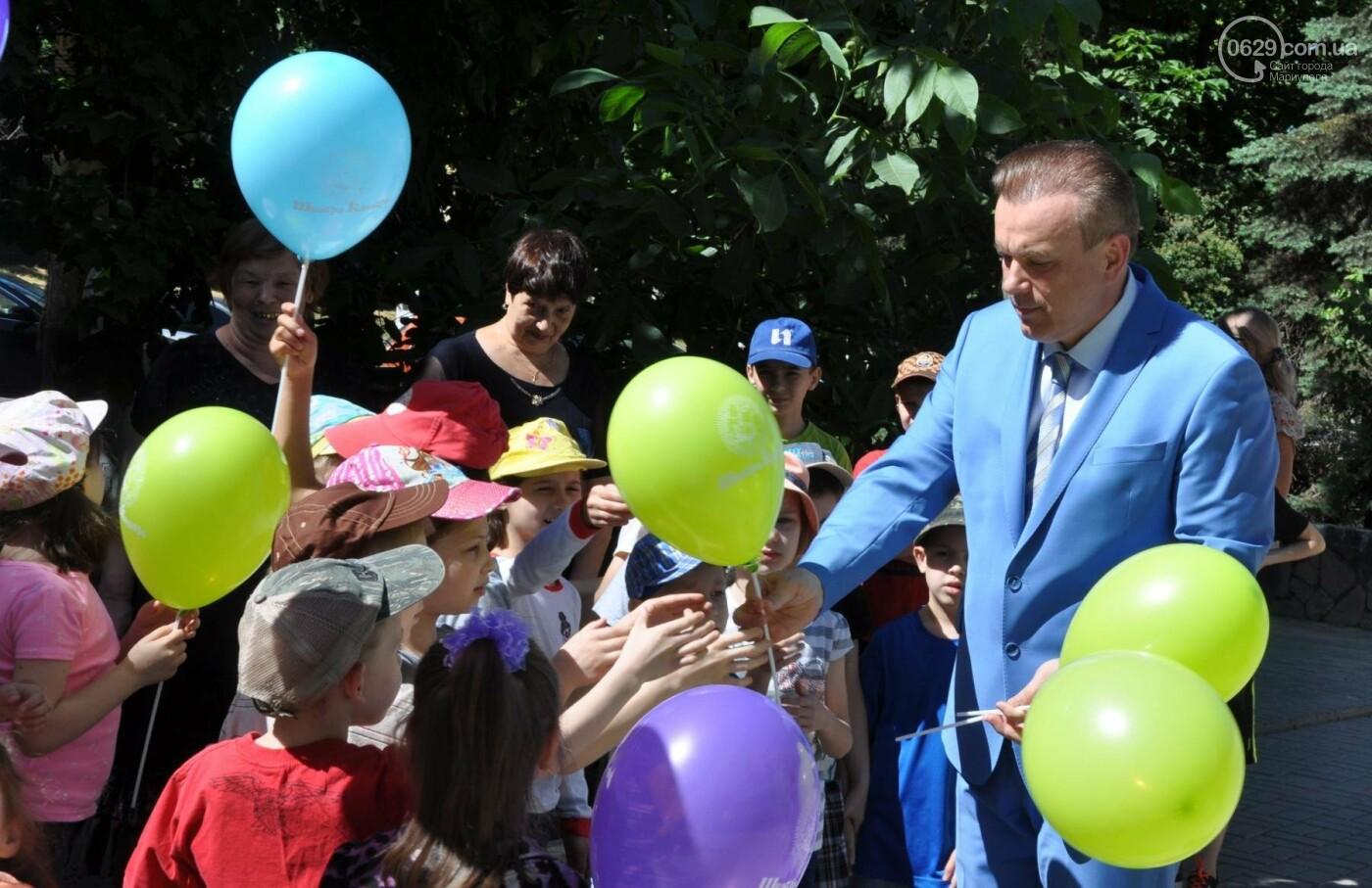В аптеке «Азовфарм» провели праздник для детей и разыграли призы, фото-7