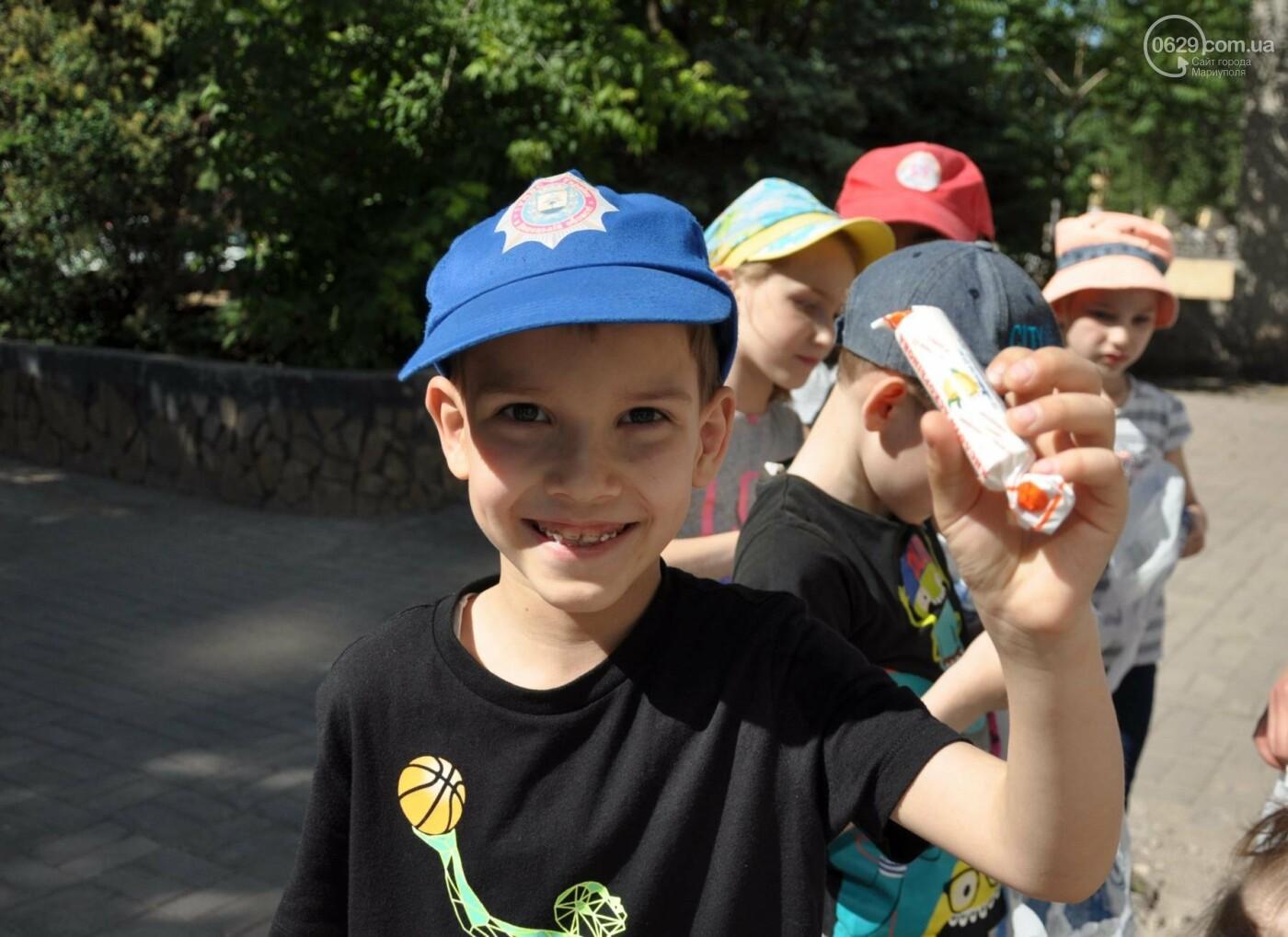 В аптеке «Азовфарм» провели праздник для детей и разыграли призы, фото-11