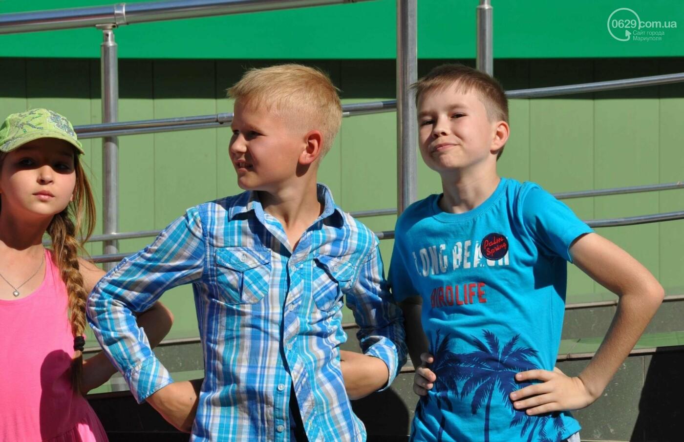 В аптеке «Азовфарм» провели праздник для детей и разыграли призы, фото-12