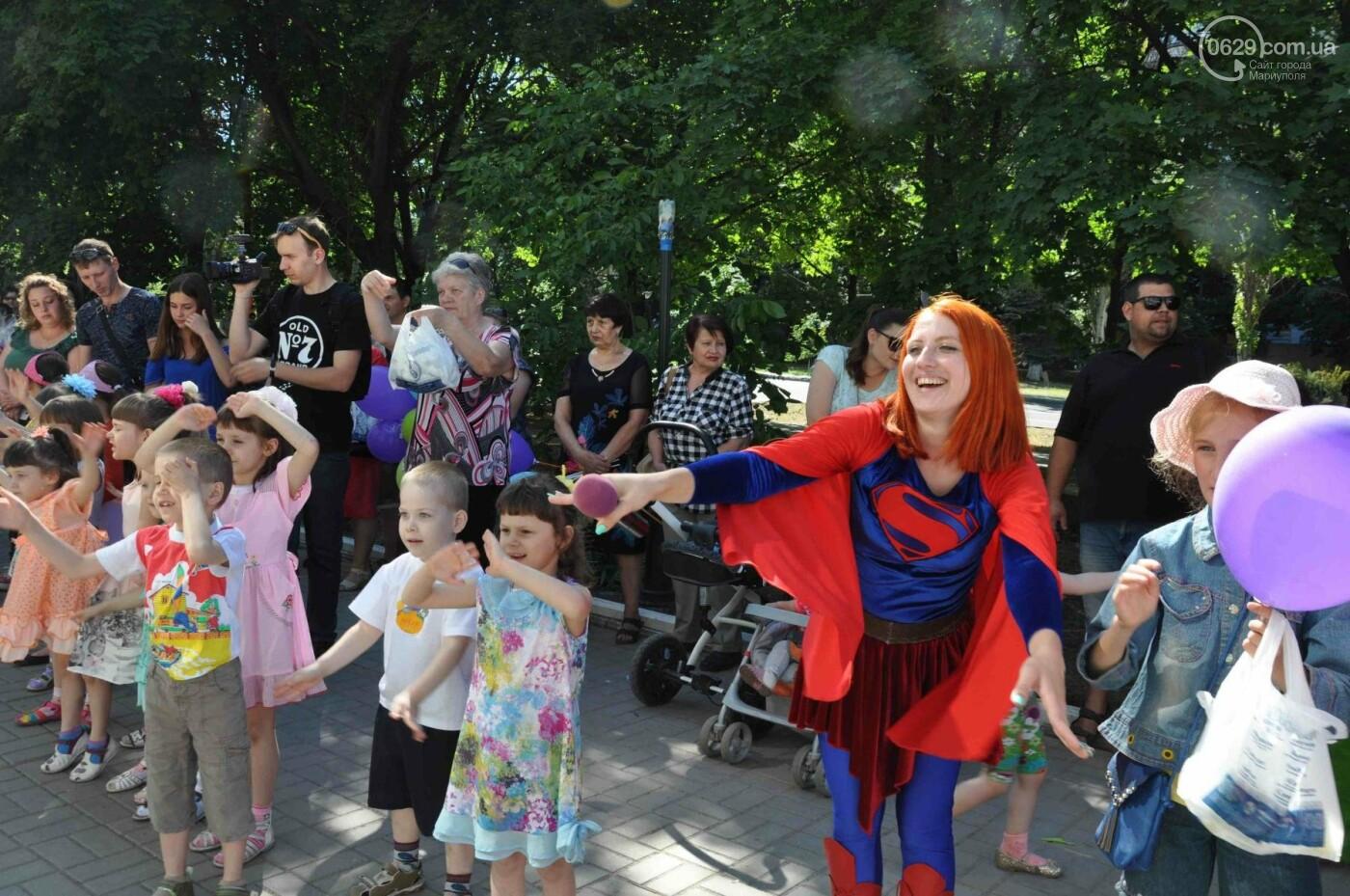 В аптеке «Азовфарм» провели праздник для детей и разыграли призы, фото-17