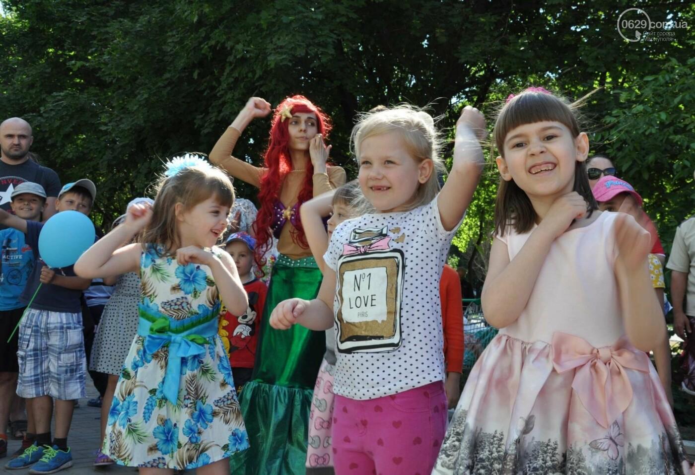 В аптеке «Азовфарм» провели праздник для детей и разыграли призы, фото-19